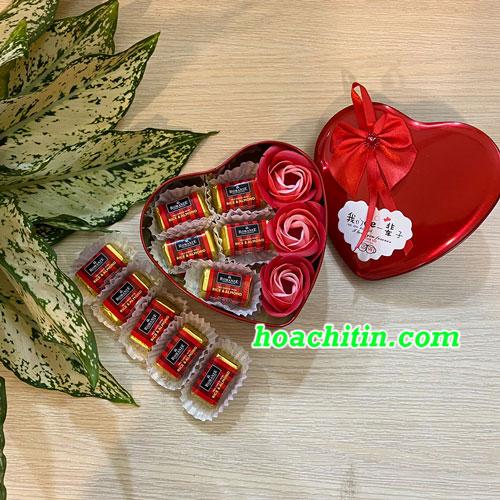 Socola Valentine Thanh Vuông Hoa Hồng Đỏ Hộp Trái Tim