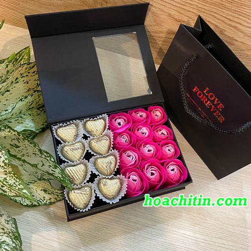 Socola Valentine Trái Tim Hộp Vuông Hoa Hồng Sen