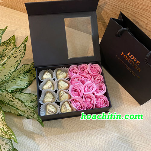 Socola Valentine Trái Tim Hộp Vuông Hoa Hồng