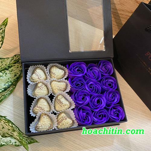 Socola Valentine Trái Tim Hộp Vuông Hoa Hồng Tím