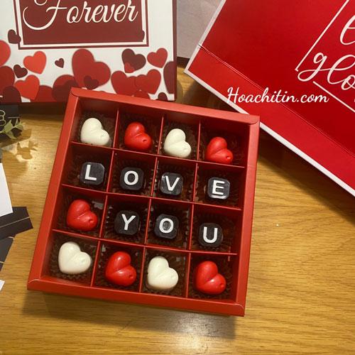 Socola Valentine Thanh Vuông Hộp Vuông Hoa Đỏ