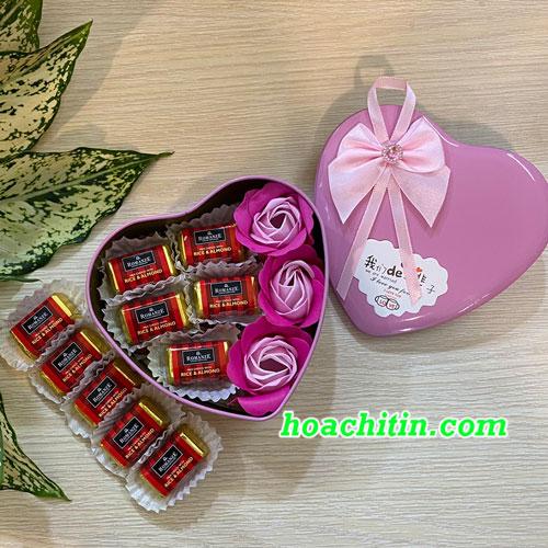 Socola Valentine Thanh Vuông Hoa Hồng Hộp Trái Tim