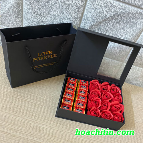 Socola Valentine Thanh Vuông Hộp Vuông Hoa Hồng Đỏ 12V